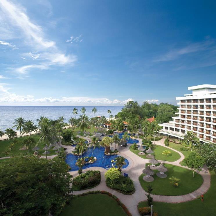 Shangri-La's Golden Sands Resort